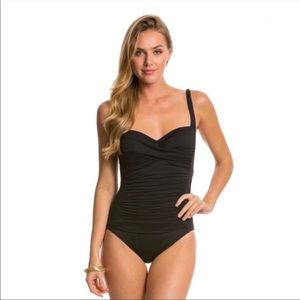 NWT La Blanca Sweetheart Ruched One Piece Swimsuit